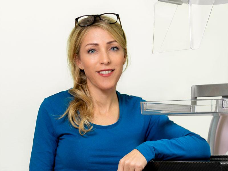 Dr. Gomille Katharina